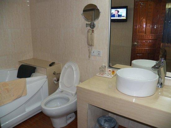 Talotel: Bathroom