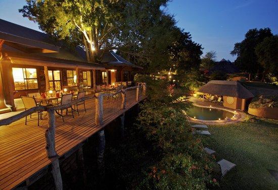 MalaMala Sable Camp: Sable Camp Main Lodge area & Deck