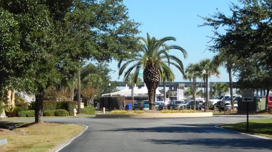 SpringHill Suites Charleston Downtown/Riverview: Arriving at Riverview SpringHill Suites