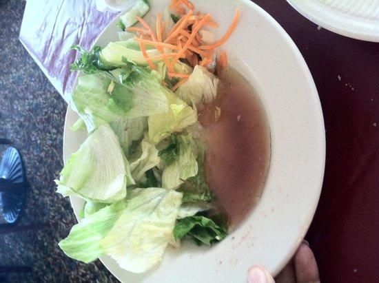 Sorella Italian Restaurant: Funny looking salad looks more like soup