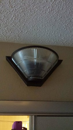 Best Western Raleigh North-Downtown : Light in the new (2nd) room