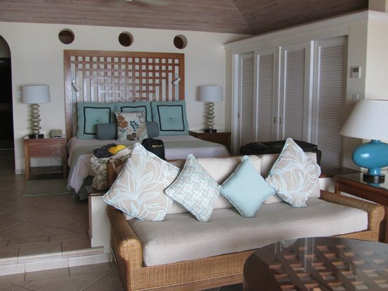 Curtain Bluff Resort: Our beachfront jr. suite