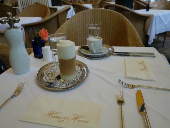 Haas & Haas: утренний кофе