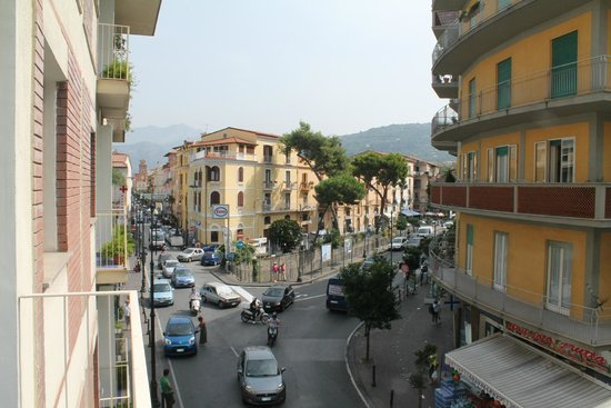Hotel Tirrenia: Day view from the balcony