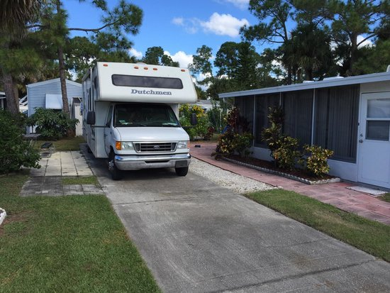 Sunshine Travel RV Resort: Site 162