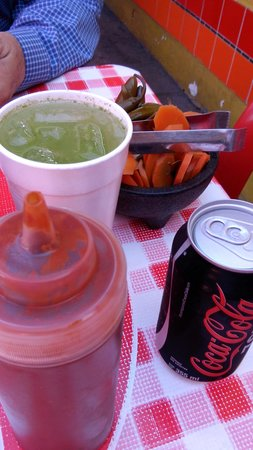 Tortas El Turco: Condiments