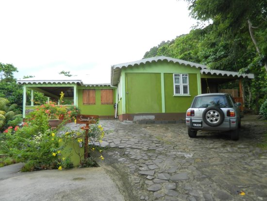 Serenity Lodges Dominica: Serenity Lodges entrance