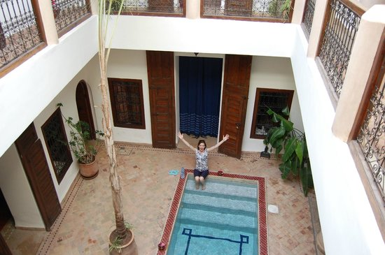 Darhani : Inner courtyard from 1st floor