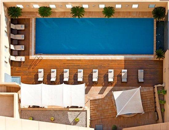 Swissotel Sydney : Outdoor Heated Pool