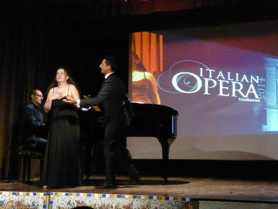 Italian Opera Taormina: Classy act
