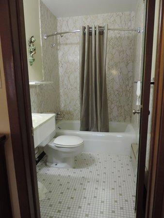 29 West Motel : bathroom