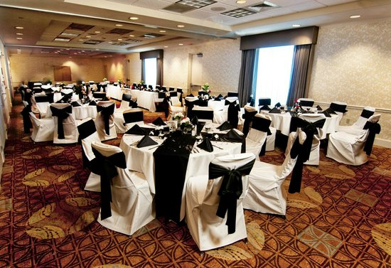 Hilton Garden Inn Sarasota - Bradenton Airport: Meeting Space - Banquet Style