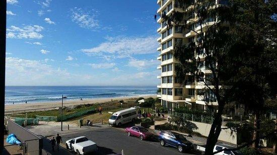 President Holiday Apartments : Vista do quarto de solteiro para o mar <3