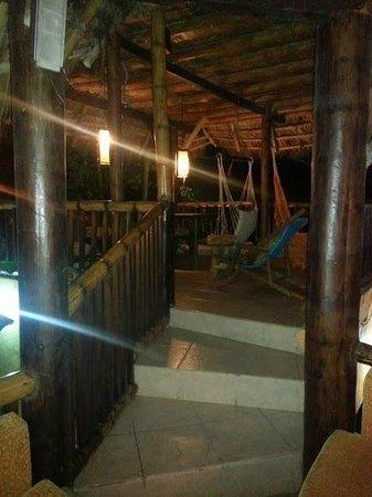La Facha Hostal Restaurant : Sala de estar, comedor, balcon para relajarse.
