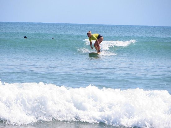 Surf House San Pancho: Up and surfing, just need to straighten my back!