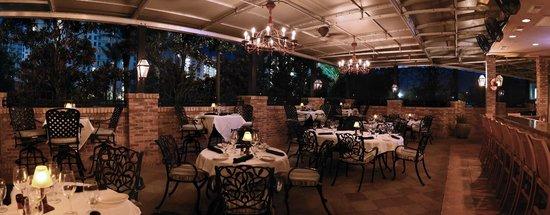 Ruth S Chris Steak House Courtyard