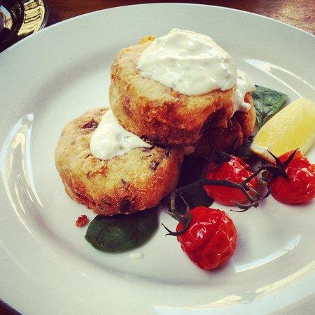 The Gunshop Cafe: Potato & feta hash cakes with blistered tomatoes