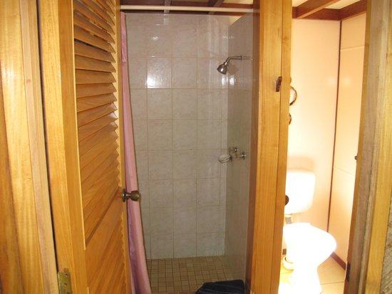 Atiu, Islas Cook: Bathroom