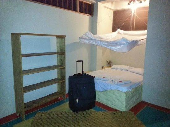 La Casa Hostel : Habitacion con cama matrimonial