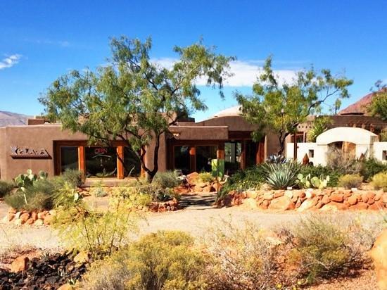 Coyote Gulch Art Village: Kayenta Art Village