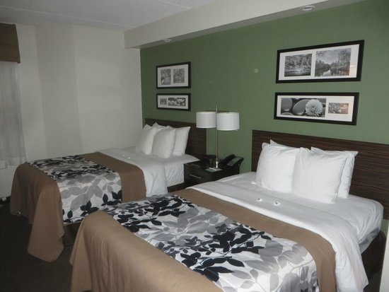 Sleep Inn Buffalo Airport : Room.