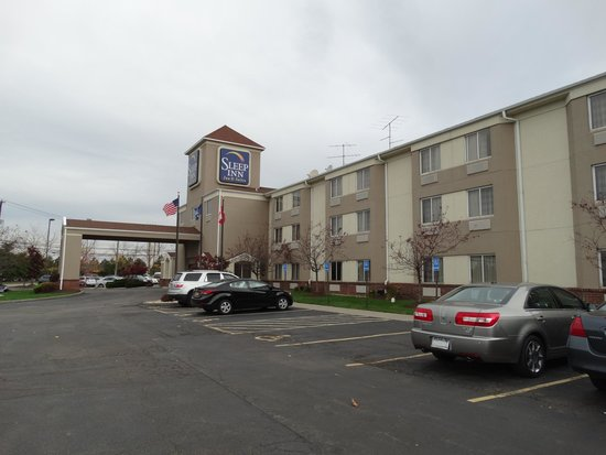outside picture of sleep inn buffalo airport. Black Bedroom Furniture Sets. Home Design Ideas