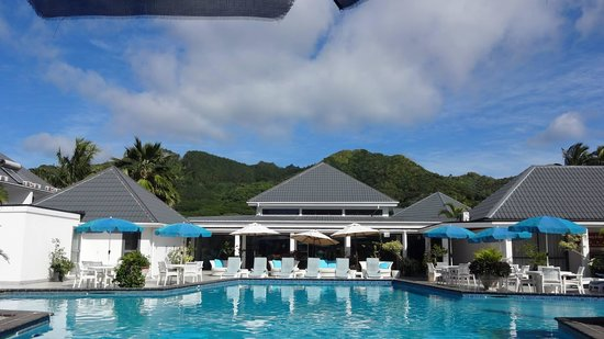 Muri Beach Club Hotel Pool