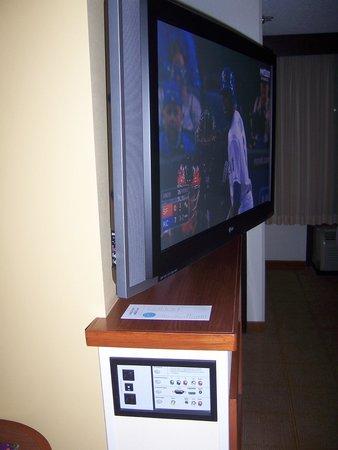 Hyatt Place Louisville-East: Big Screen TV Pivot
