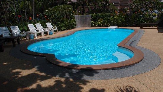 Sabai @ Kan Resort: Swimming pool