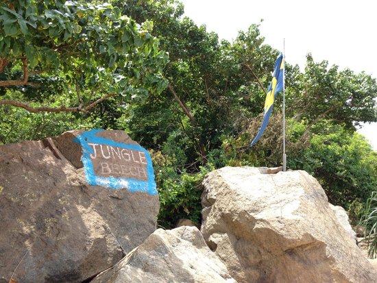 Unawatuna, Sri Lanka: The sign and the Swedish Flagg