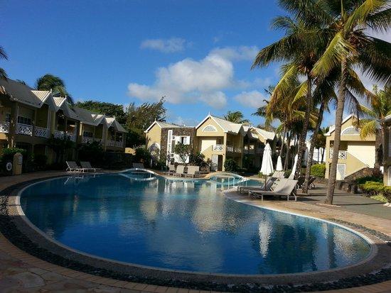 Calodyne Hotel: Pool side