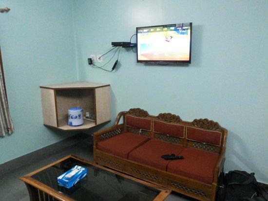 Hotel Priya : led tv