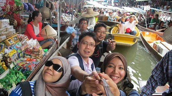 Bangkok Floating Market Tour With Tong