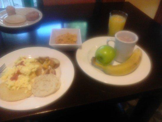 HYATT house Miami Airport : Petit déjeuner