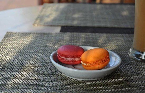 Le Banneton Cafe: Wonderful macaron