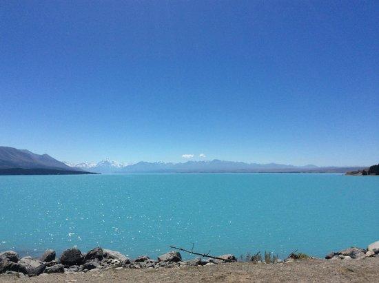 Lake Tekapo : Most turquoise lake ever