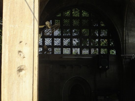 Sidi Saiyed's Mosque : window arches
