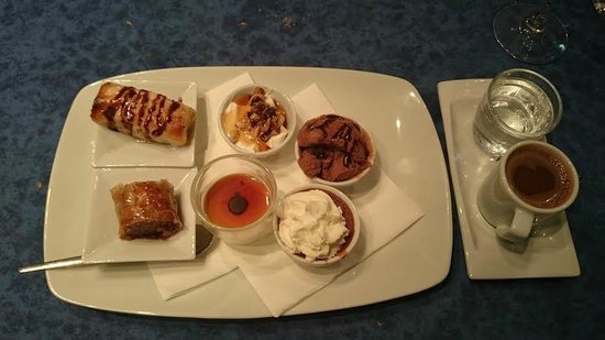 Ile de Crete: Le Café Gourmand !...
