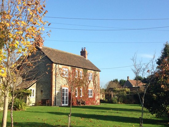 Hillview Farm Bed & Breakfast : Hillview in the sunshine
