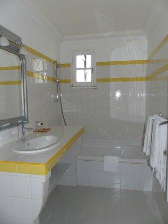 Hotel Van Gogh: Salle de bains chambre n° 5
