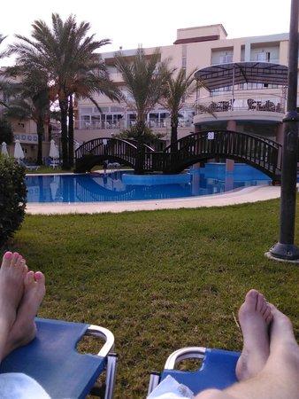 Selini Suites : hotel pool.