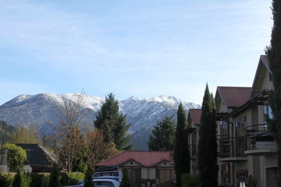 Settlers Motel: View on a lovely Spring day in Hanmer Springs