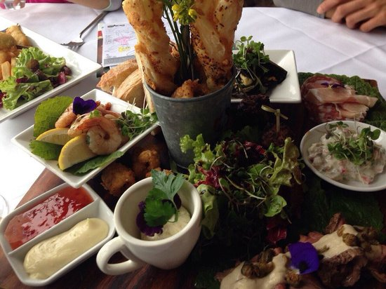 Mudbrick Vineyard: Platter