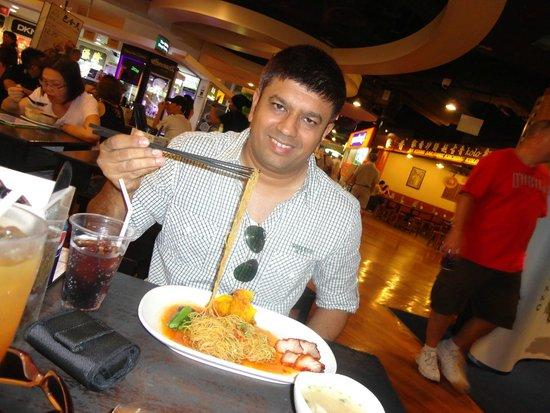 Seam Eett Taiwan Noodles: Taiwan noodles