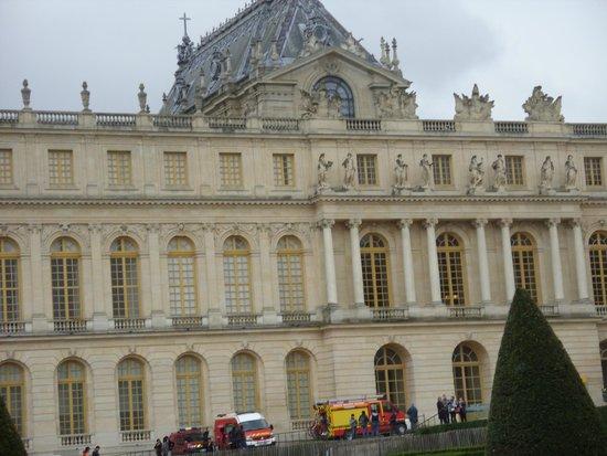 Hall of mirrors picture of chateau de versailles versailles tripadvisor - Restaurant chateau de versailles ...