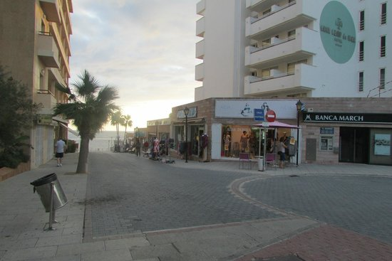 AT THE FRONT OF HOTEL THERE ARE ABOUT 12 SHOPS - Picture of Camp de Mar, Pegu...