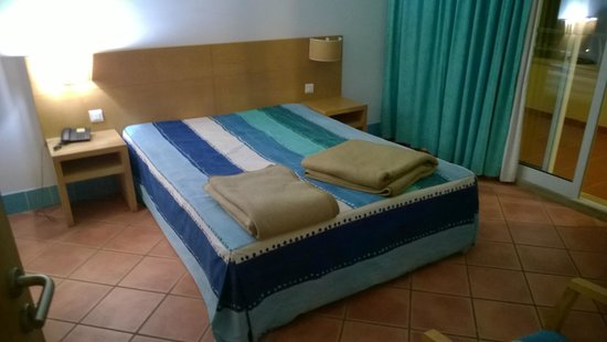 Alpinus Hotel: bedroom
