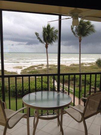 Ocean's Reach Condominiums: Uitzicht vanuit 3b3