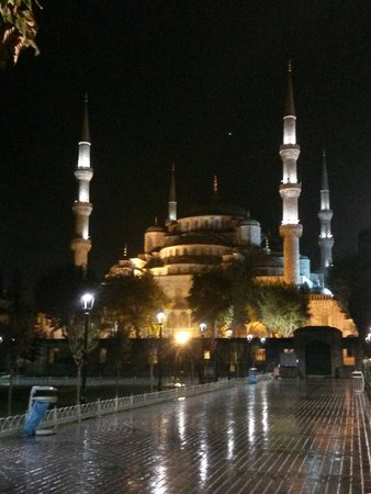 Sultanahmet Suite Life Hotel: Blue Mosque.