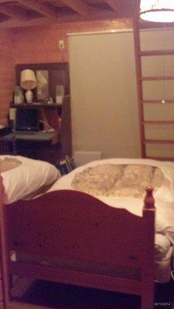 Homey inn Enya: room with messanine floor